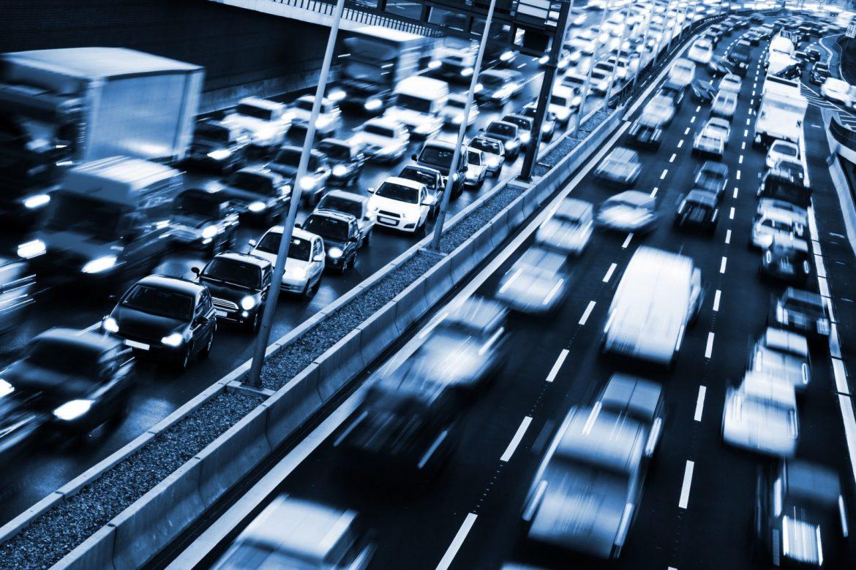 Yoğun Trafikte Araba Kullanma Teknikleri